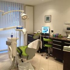 Dr. Lovász Beatrix fogorvos