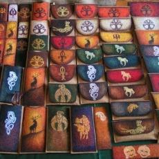 Kollekcióm: parafa-bőr tárgyak kézzel festve