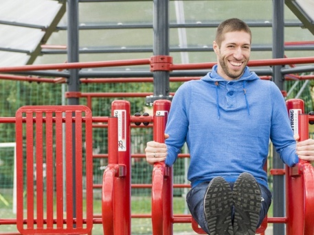 Berki szeptemberben a TF szabadtéri fitneszparkjában (forrás: MTI)